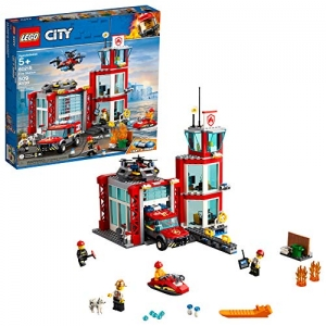 ihocon: [2019年新品] LEGO樂高 City Fire Station 60215 Building Kit, New 2019 (509 Pieces)