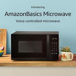 ihocon: AmazonBasics Microwave, Small, 0.7 Cu. Ft, 700W, Works with Alexa 微波爐