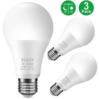 ihocon: MINGER LED Dusk-to-Dawn Light Bulb 7W Smart Sensor Bulbs光線感應自動開關燈泡 (E26/E27, 600lumen, Warm White) [3-Pack]