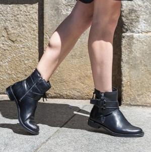 [大減價] ECCO: 男鞋及女靴 全部特價$89.99 (原價高達$220)
