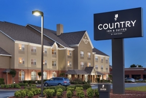 Country Inn & Suites: 連住2晚15% off, 3晚20% off
