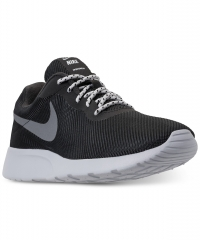 ihocon: Nike Men's Tanjun SE Casual Sneakers