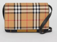 ihocon: Burberry Vintage Check and Leather Wallet with Detachable Strap - 2色可選
