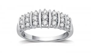 ihocon: 1/2 CTTW Genuine Diamond Fashion Band in Sterling Silver By DeCarat純銀1/2克拉鑽戒