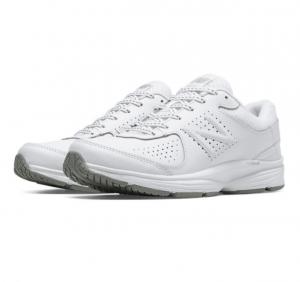 [今日特賣, 免運優惠] New Balance女鞋 $32.99 (原價$67.99)