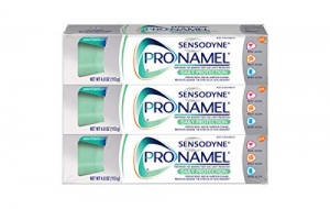 ihocon: Sensodyne Pronamel Toothpaste for Tooth Enamel Strengthening, Daily Protection, Mint Essence, 4 Ounce (Pack of 3) 牙釉質增強牙膏