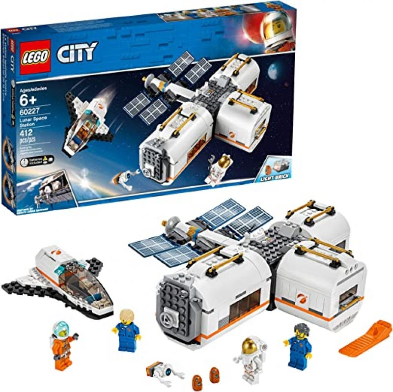 ihocon: LEGO City Space Lunar Space Station 60227 Space Station Building Set with Toy Shuttle (412 Pieces) 樂高月球太空站