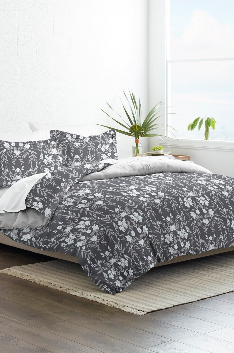ihocon: IENJOY HOME Home Collection Premium Ultra Soft Secret Garden Pattern 3-Piece Reversible Duvet Cover Set- Full / Queen  被套及枕頭套