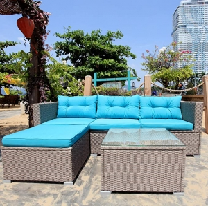 ihocon: M&W 5 Piece Patio Furniture Set, PE Wicker Rattan 5件或庭院家具桌椅