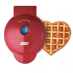 ihocon: Dash DMW001HR Mini Heart Maker Waffle Iron, Shaped Goodness, Red  001  心形鬆餅機