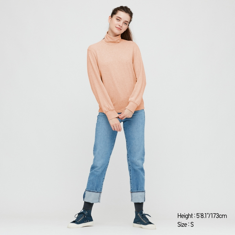 ihocon: UNIQLO WOMEN SOFT KNITTED HIGH-NECK PUFF LONG-SLEEVE T-SHIRT 女士高領衫-多色可選
