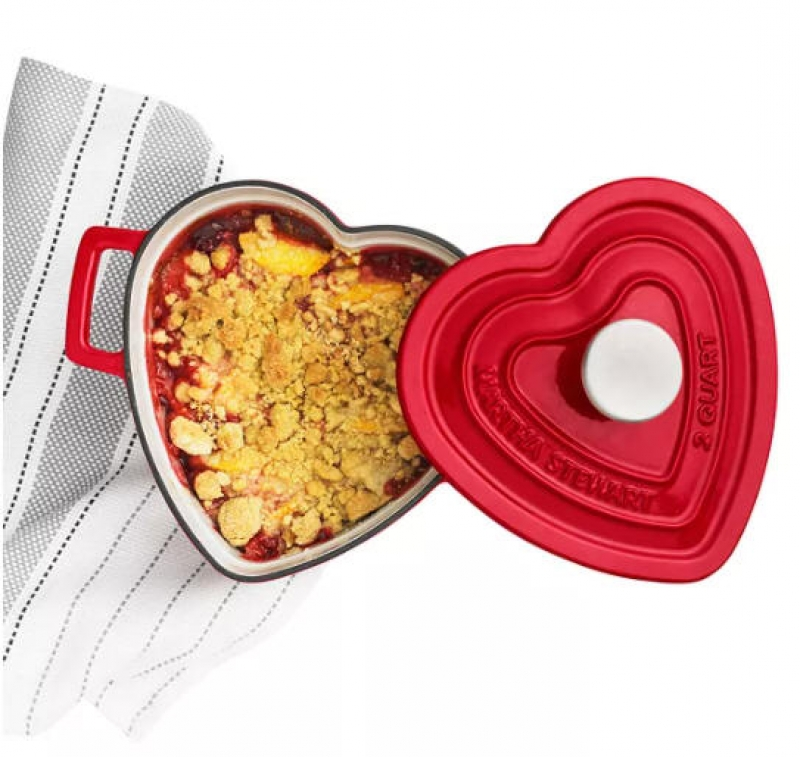 ihocon: Martha Stewart Collection Enameled Cast Iron 2-Qt. Heart-Shaped Casserole 搪瓷鑄鐵 - 2色可選