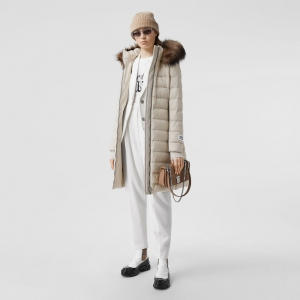 ihocon: Burberry Detachable Faux Fur Trim Hooded Puffer Coat 可拆卸連帽大衣