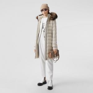 Burberry 可拆式連帽大衣 $800(原價$1,590)