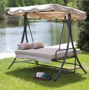 Coral Coast 室外鞦韆床含枕頭 $379.99(原價$479.99)
