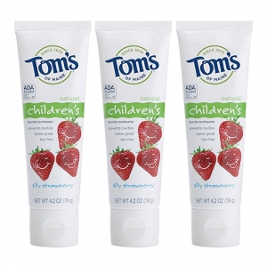 ihocon: Tom's of Maine Anticavity Fluoride Children's Toothpaste, Kids Toothpaste, Natural Toothpaste, Silly Strawberry, 4.2 Ounce (Pack of 3) 天然兒童防蛀牙含氟牙膏