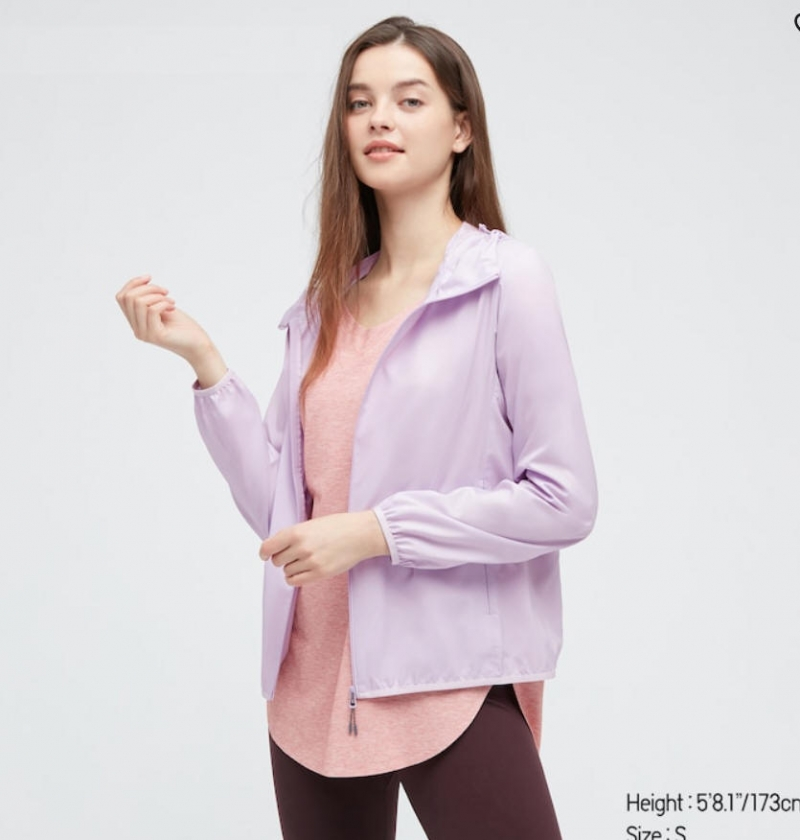 ihocon: UNIQLO WOMEN POCKETABLE UV PROTECTION PARKA 女士防紫外線薄夾克-2色可選