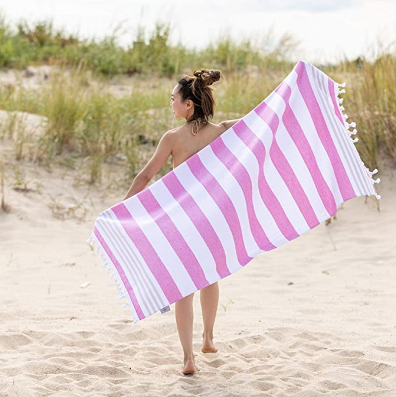 ihocon: SUPERIOR Coastal Resort Oversized Beach Towel, 35x68, Cerise   沙灘大毛巾
