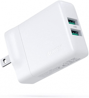 ihocon: Aukey 24W Dual Port 2.4A Fast Charger 充電器