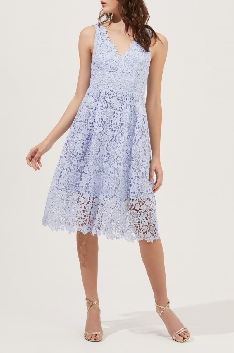 ihocon: ASTR the Label V-Neck Lace Fit & Flare Dress 蕾絲洋裝