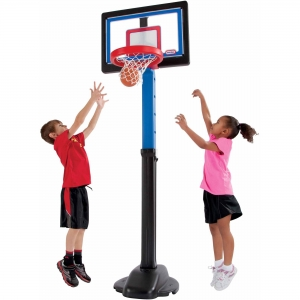ihocon: Little Tikes Play Like a Pro Basketball Set 兒童籃球架及球