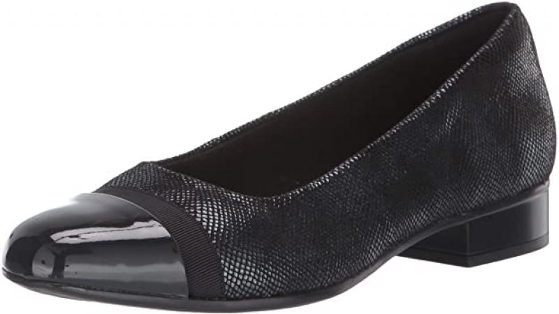 ihocon: Clarks Women's Juliet Monte Loafer 女鞋 (Size 6, 6 wide)