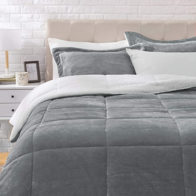 ihocon: AmazonBasics Ultra-Soft Micromink Sherpa Comforter Bed Set被子及枕頭套組