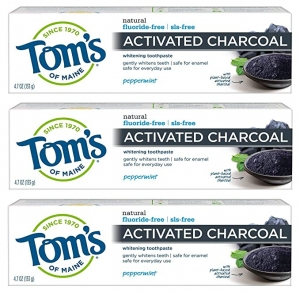ihocon: Tom's of Maine Activated Charcoal Toothpaste, Natural Toothpaste, Peppermint, Fluoride Free, 4.7 oz 3 Pack 無氟 活性炭牙膏