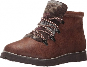 ihocon: Skechers BOBS Women's Bobs Alpine-Keep Trekking. Aztec Tongue Hiking Boot W Memory Foam  記憶棉女靴