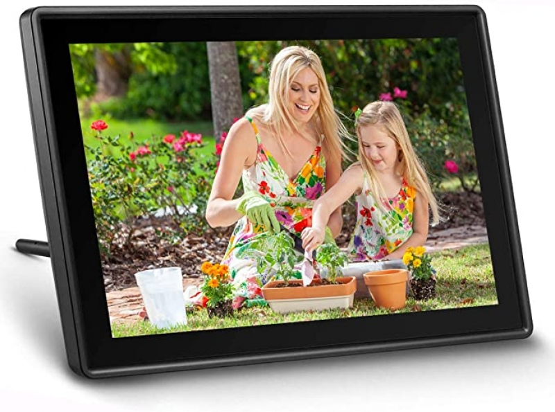 ihocon: UEME WiFi Digital Picture Frame, 10.1吋 HD IPS Display with Touch Screen 電子相框
