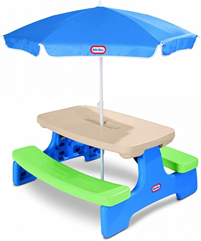 ihocon: Little Tikes Easy Store Picnic Table with Umbrella  兒童遮陽野餐桌