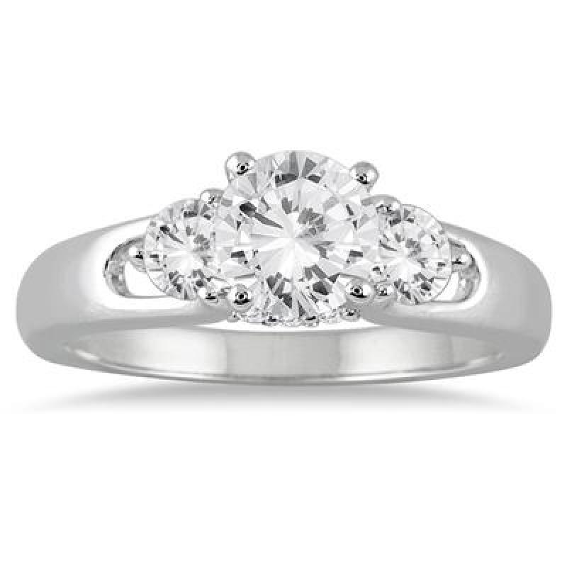 ihocon: 1 Carat TW Diamond Three Stone Engagement Ring in 14K White Gold 1克拉(總重)鑽戒