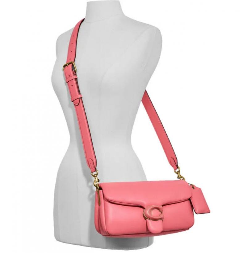 ihocon: COACH Pillow Leather Crossbody Bag 真皮包包